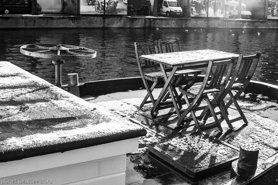 12_Amsterdam-black-white-day-dec-2012