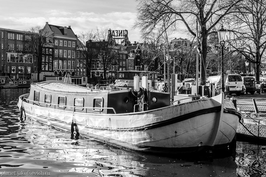 20_Amsterdam-black-white-day-dec-2012