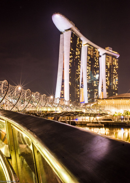 Сингапур отель Marina Bay Sands ночью