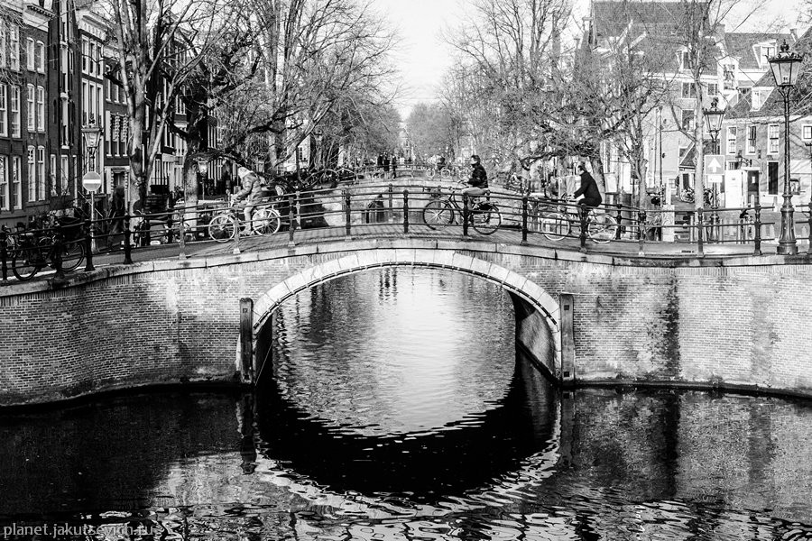30_Amsterdam-black-white-day-dec-2012