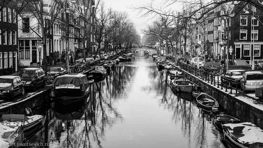 32_Amsterdam-black-white-day-dec-2012