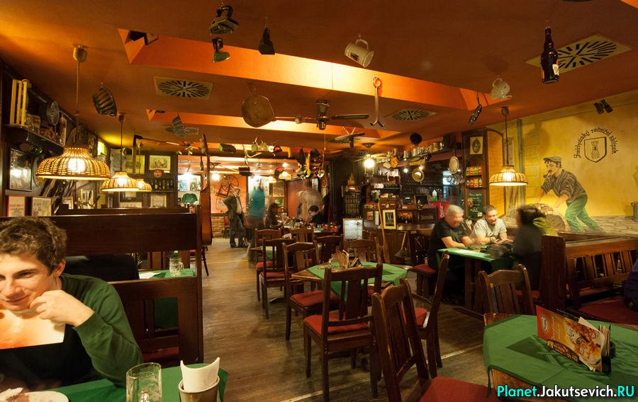 Заказать ресторан в Праге Smixovsky Radnicki Sklipek