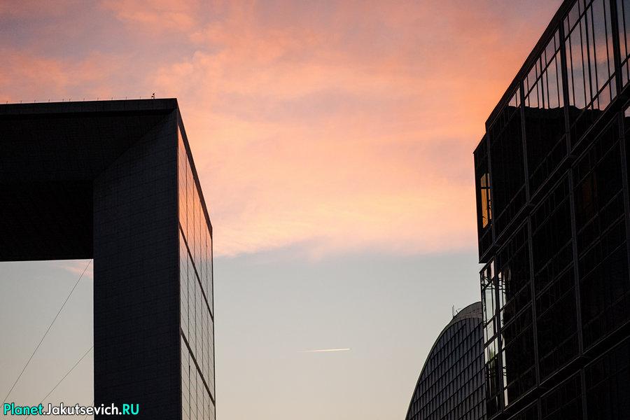 Небоскребы Парижа на закате