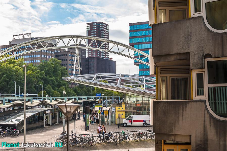 Кубические-дома-в-Роттердаме-фото-Артура-Якуцевича-03