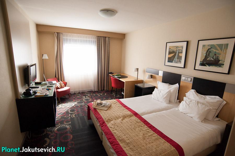 Отель Hampshire Hotel Savoy Rotterdam в Роттердаме