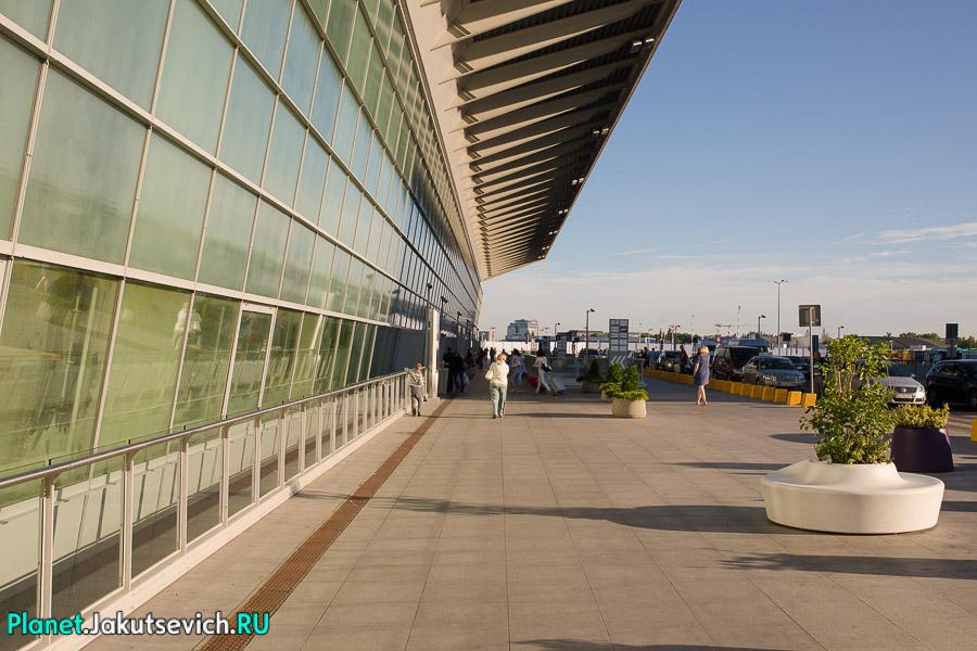 Kak-dobratsa-v-aeroport-Frederika-Shopena-v-Warshawe-25