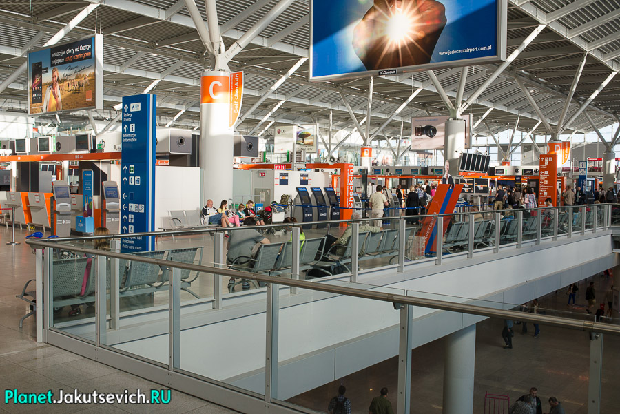 Kak-dobratsa-v-aeroport-Frederika-Shopena-v-Warshawe-26