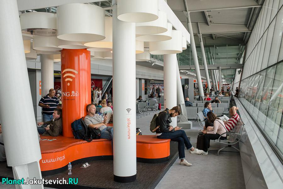 Kak-dobratsa-v-aeroport-Frederika-Shopena-v-Warshawe-31