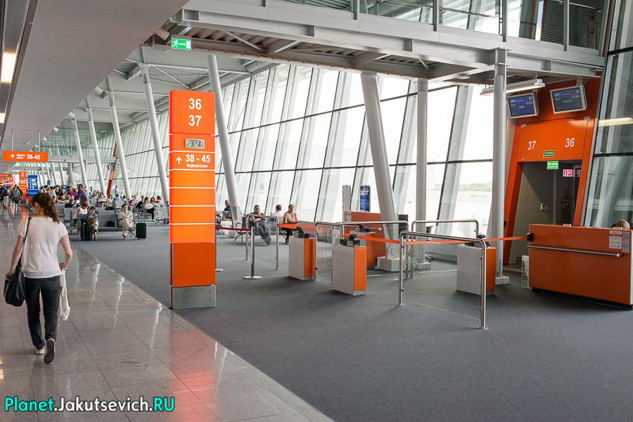 Kak-dobratsa-v-aeroport-Frederika-Shopena-v-Warshawe-32