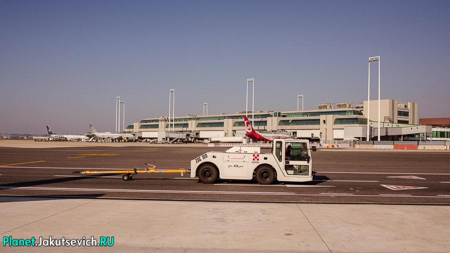 Kak-dobratsa-v-aeroport-Frederika-Shopena-v-Warshawe-34