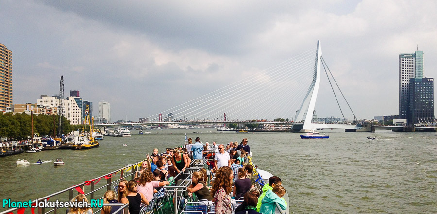 Прогулка-по-Роттердаму-кораблик-05