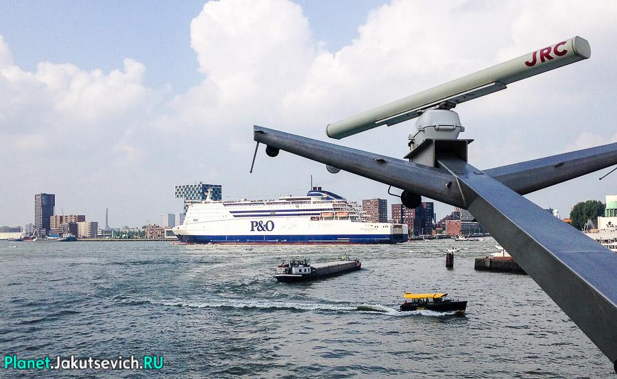 Прогулка-по-Роттердаму-кораблик-22