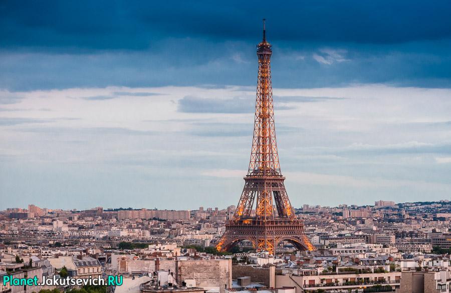 Эйфелева Башня световое шоу